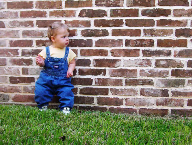 when do babies start standing