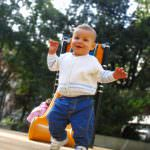 When should your baby start walking: Facts, Milestones, and Activities