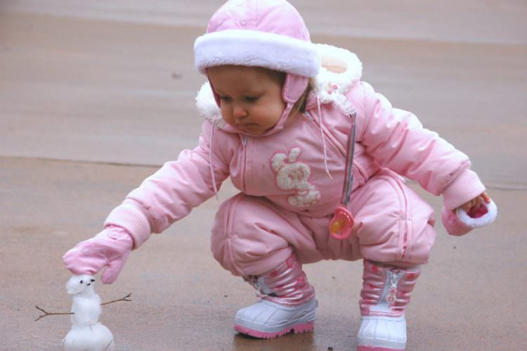 baby squatting milestone